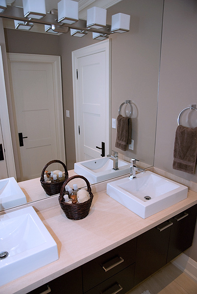Serenity_Custom_home_builder_toronto_bathroom_36